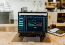 Can you make money trading online?