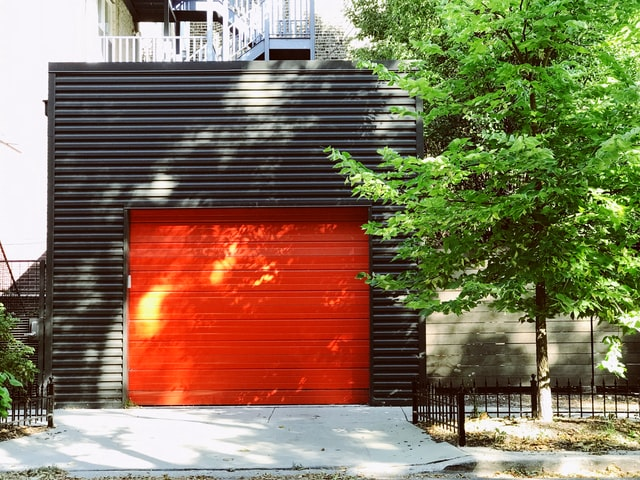 How to open a stuck garage door from the outside?